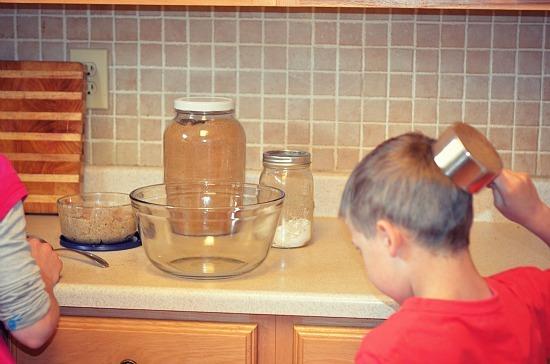 kids cooking measuring cup