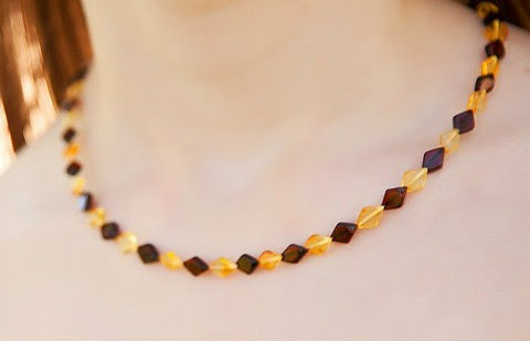 overlapping amber necklace
