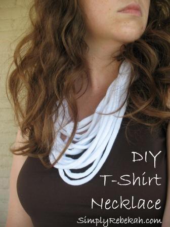 DIY-T-Shirt-Necklace