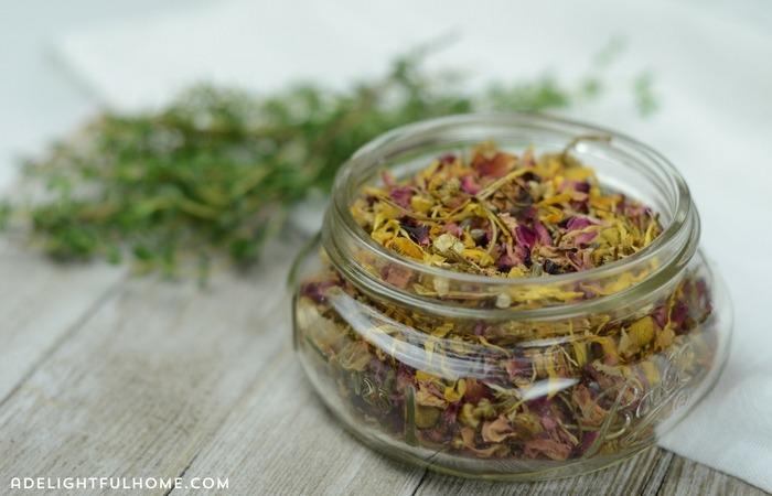 diy-beauty-prep-herbal-face-steam