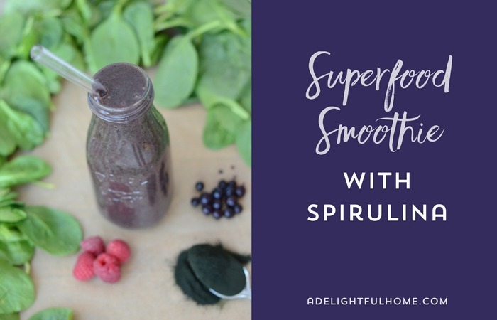 Superfood Smoothie with Spirulina