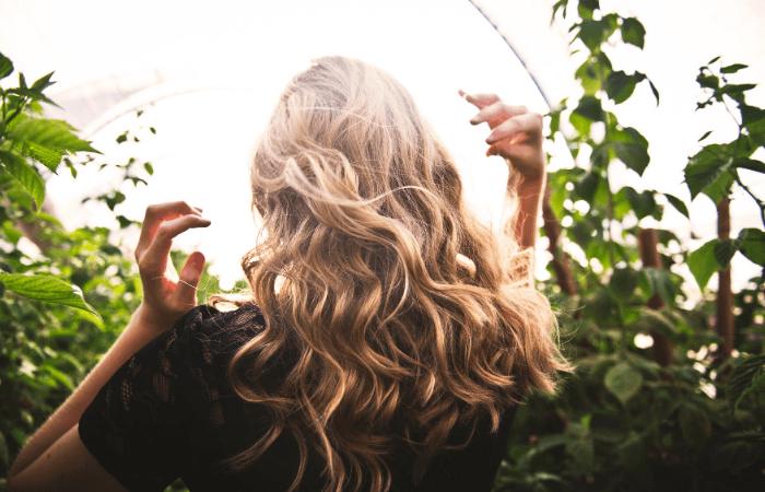 hair with beach waves