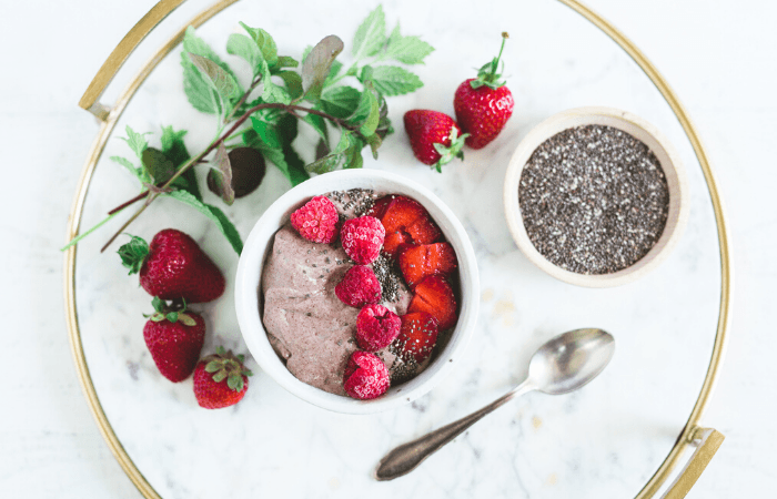 chia seeds and smoothie bowl
